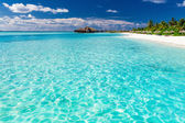 Tropical beach in Maldives — Stock Photo