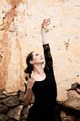 Flameco dancer in a ruined house — Stock Photo