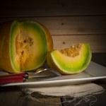 Sliced ripe spanspek or sweet melon — Foto Stock #61400145