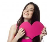 Kvinnan skönhet med hjärta — Stockfoto