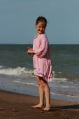 Bambina felice su summertime — Foto Stock