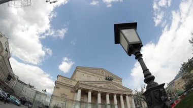 Early spring of the Bolshoi Theater — Stock Video