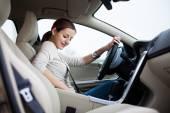 車を運転の女性 — ストック写真