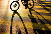 Biker or Cyclist crossing road — Stock Photo