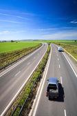 Highway provozu v letní den — Stock fotografie