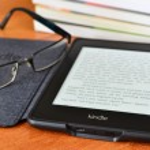 Amazon kindle paper white e book reader — Stock Photo #57852115