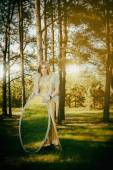 Concept wonderful fairy tale with beautiful girl in country of m — Stock fotografie
