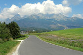 Road, mountains and clouds in Slovakia. — 图库照片