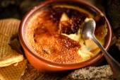 Traditional french creme brulee dessert — Stock Photo