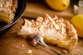 Slice of lemon meringue tart — Stock Photo