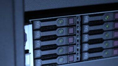 Cluster of internet servers disks in datacenter — Stock Video