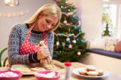 Woman Decorating Christmas Cookies — Stock Photo