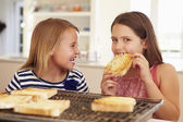 Girls Eating Cheese On Toast — Foto Stock