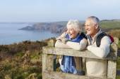 Senior Couple on Coastal Path — Stock Photo