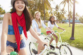 Female Friends  On Bicycle Ride — Stock Photo