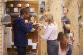 Students Training To Be Electricians — Stock Photo