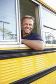 Okul otobüsü sürücüsü — Stok fotoğraf