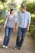 Paar auf spaziergang — Stockfoto