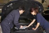 Female trainee mechanic — Stock Photo