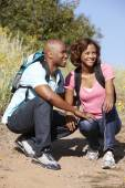 Couple on country hike — Stock Photo