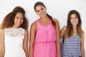 Drie vriendinnen — Stockfoto