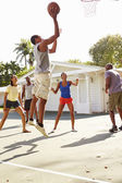 Friends Playing Basketball Match — Stock Photo