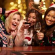Group Of Friends Enjoying Christmas Drinks — Φωτογραφία Αρχείου #68249433