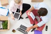 Businesspeople Working At Laptop — Stock Photo