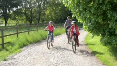 Father And Children On Cycle Ride — Stock Video