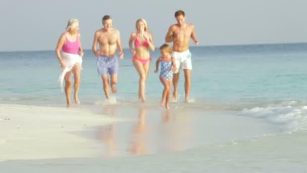 Family Having Fun In Sea — Vídeo de stock