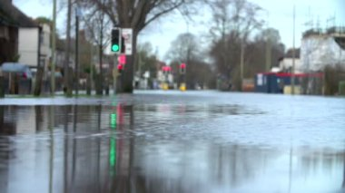 Flooded Urban Road With Traffic Lights — Stock Video