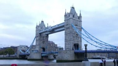 Time Lapse Sequence Of Tower Bridge — Stock Video
