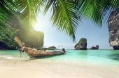Boat at Phi Phi island, Thailand — Stock Photo