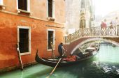 Gondola on canal in Venice, Italy — Stock Photo