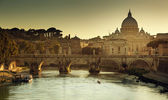View on Tiber and St Peter Basilica in Vatican — Stock Photo
