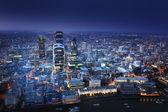 Stad van Londen bij zonsondergang — Stockfoto