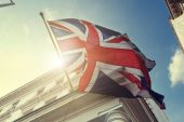 Flag of UK on government building — Stock Photo