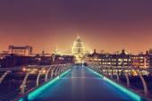 St. Paul Cathedral and millennium bridge, London , UK  — Zdjęcie stockowe