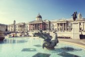 London, fountain on the Trafalgar Square — Stock Photo