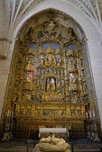 The golden altar in Burgos cathedral — Stock Photo