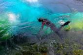 Potápění v zdroj vody — Stock fotografie