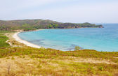 Sea bay with clear turquoise water — Stockfoto