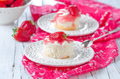 Sweet strawberry cakes — Stock Photo