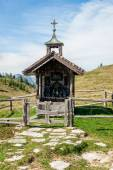 Small wooden chapel — Stock Photo