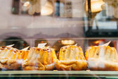 Bundt cakes in a bakery shop — Stock Photo