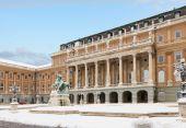 Koninklijk paleis van buadapest, hongarije — Stockfoto
