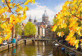 Church of St Nicholas, old town canal, Amsterdam — Foto Stock