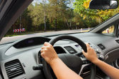 Dirigindo um carro — Foto Stock