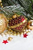 Christmas red and golden heart with evegreen tree — Stock fotografie
