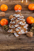 Gingerbread christmas tree — Stock Photo